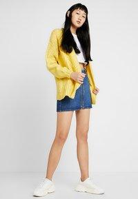 Miss Selfridge - CABLE BOBBLE CARDIGAN - Kardigan - yellow - 1