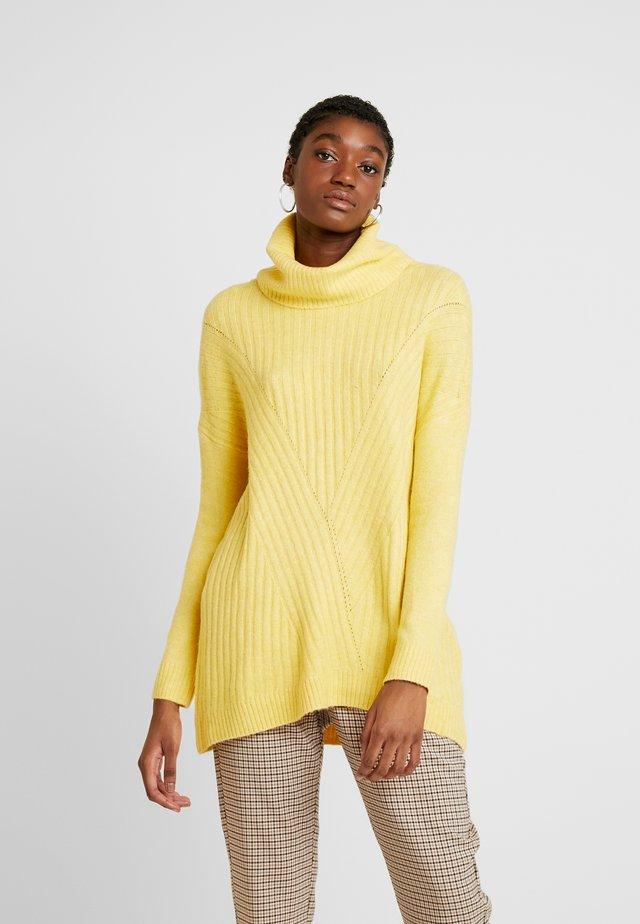 LONGLINE ROLL NECK JUMPER - Neule - yellow