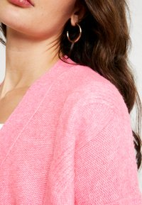Miss Selfridge - CABLE CARDIGAN - Cardigan - bright pink - 5