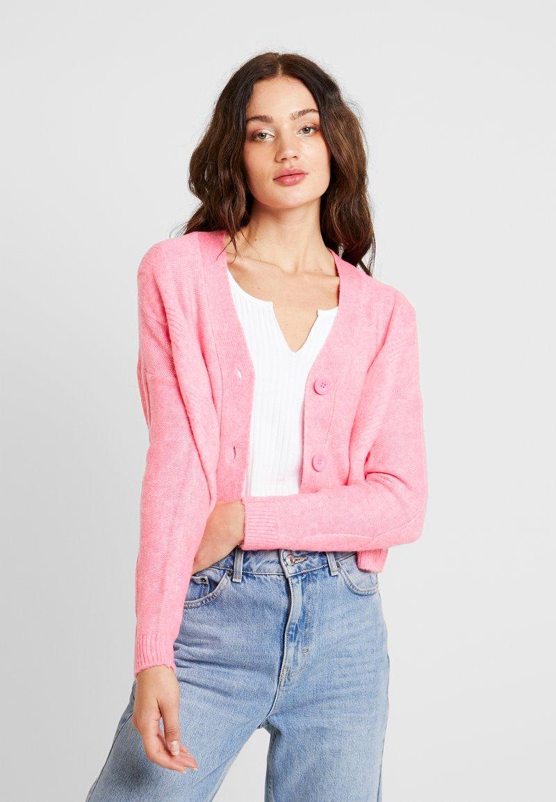 Miss Selfridge - CABLE CARDIGAN - Cardigan - bright pink
