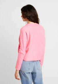Miss Selfridge - CABLE CARDIGAN - Cardigan - bright pink - 2