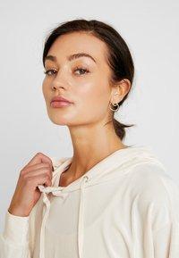 Miss Selfridge - HOODY - Bluza z kapturem - pink - 3