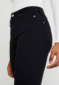 Miss Selfridge - LIZZIE - Jeans Skinny Fit - black - 3
