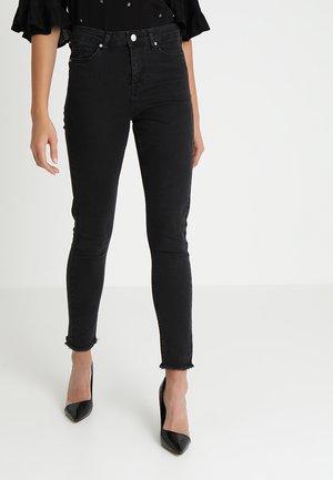 LIZZIE FRAYED HEM - Skinny džíny - black