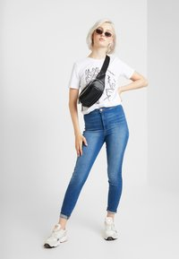 Miss Selfridge - STEFFI - Jeans Skinny Fit - blue denim - 1