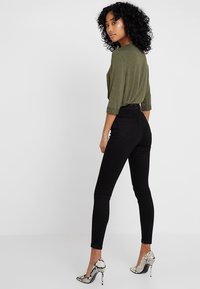 Miss Selfridge - STEFFI - Jeansy Skinny Fit - black - 2