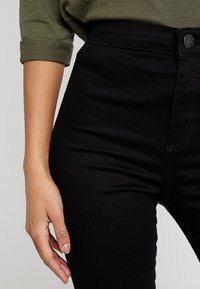 Miss Selfridge - STEFFI - Jeansy Skinny Fit - black - 3