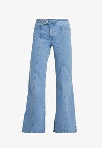 Miss Selfridge - FRONT SEAM - Flared jeans - mid blue - 4
