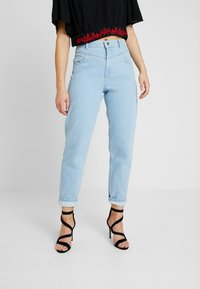 Miss Selfridge - WAIST SEAM MOM  - Džíny Relaxed Fit - blue - 0