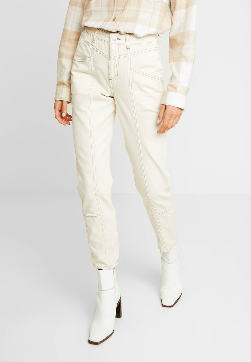 Miss Selfridge - MOM SEAM CONTRAST STITCH - Jeans Relaxed Fit - ecru