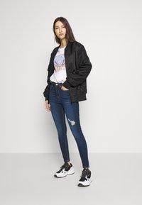 Miss Selfridge - JELLY RIPPED LIZZIE - Jeans Skinny Fit - blue - 1