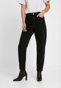 Miss Selfridge - ARLOW MOM - Jeans relaxed fit - black - 0