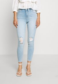 Miss Selfridge - SOL LIGHT WASH RIPPED - Jeans slim fit - blue - 0