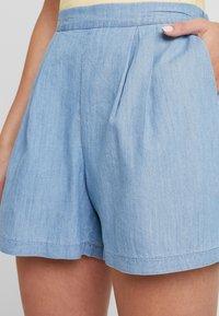 Miss Selfridge - FLAT FRONT - Shorts - blue - 4