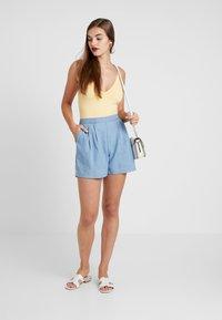 Miss Selfridge - FLAT FRONT - Shorts - blue - 1