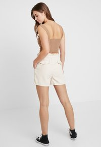Miss Selfridge - ROPE TIE - Shorts - off white - 2