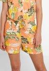 Miss Selfridge - ALOHA - Shorts - coral