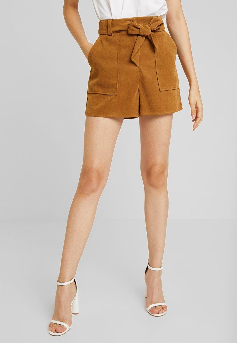 Miss Selfridge - Shorts - tan