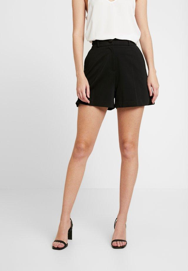 TUX  CONTRAST SHORT - Shorts - black