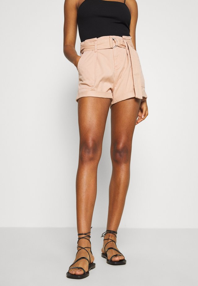 HANG TAB BELTED - Shorts - light pink