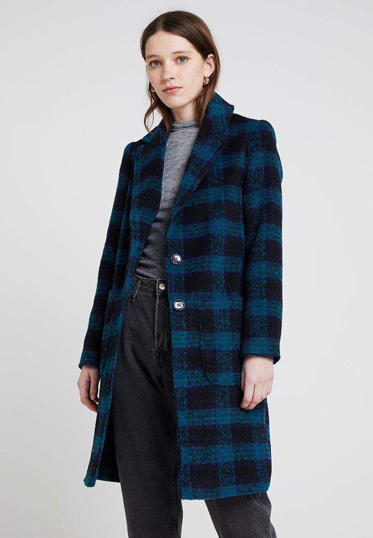 Miss Selfridge - CHECK - Zimní kabát - green