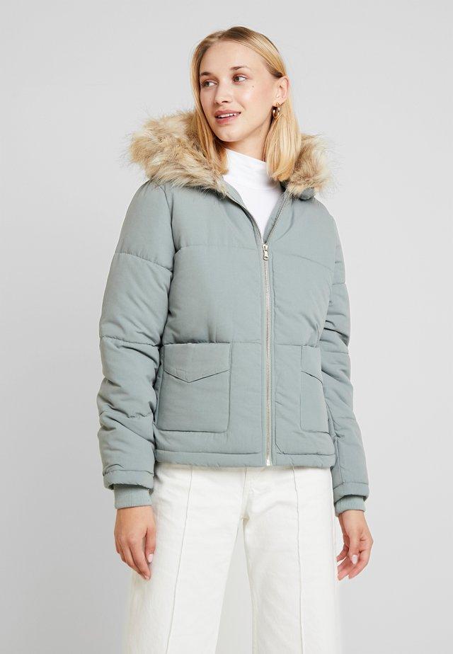 HOODED PUFFER MICROFIBRE - Light jacket - sage green