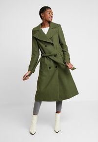 Miss Selfridge - BELTED COAT - Trenchcoat - forest green - 1