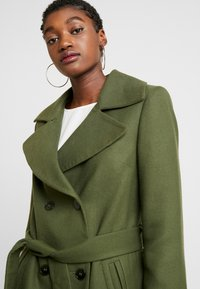 Miss Selfridge - BELTED COAT - Trenchcoat - forest green - 3