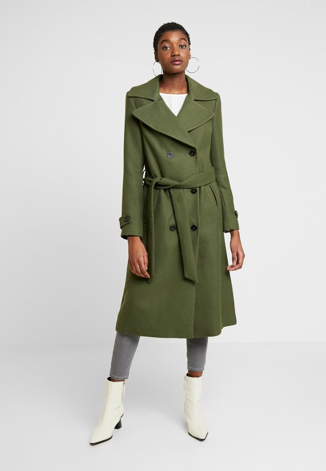 BELTED COAT - Trenchcoat - forest green