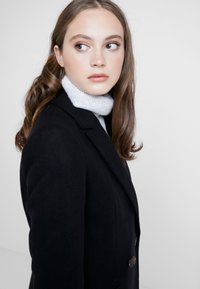 Miss Selfridge - Classic coat - black - 3