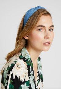 Miss Selfridge - HEADBAND AND SCRUNCHIE 2 PACK - Hårstyling-accessories - blue - 1