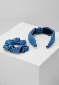 Miss Selfridge - HEADBAND AND SCRUNCHIE 2 PACK - Hårstyling-accessories - blue - 2