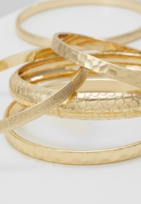 Miss Selfridge - ENGRAVED 5 PACK - Armbånd - gold-coloured - 4