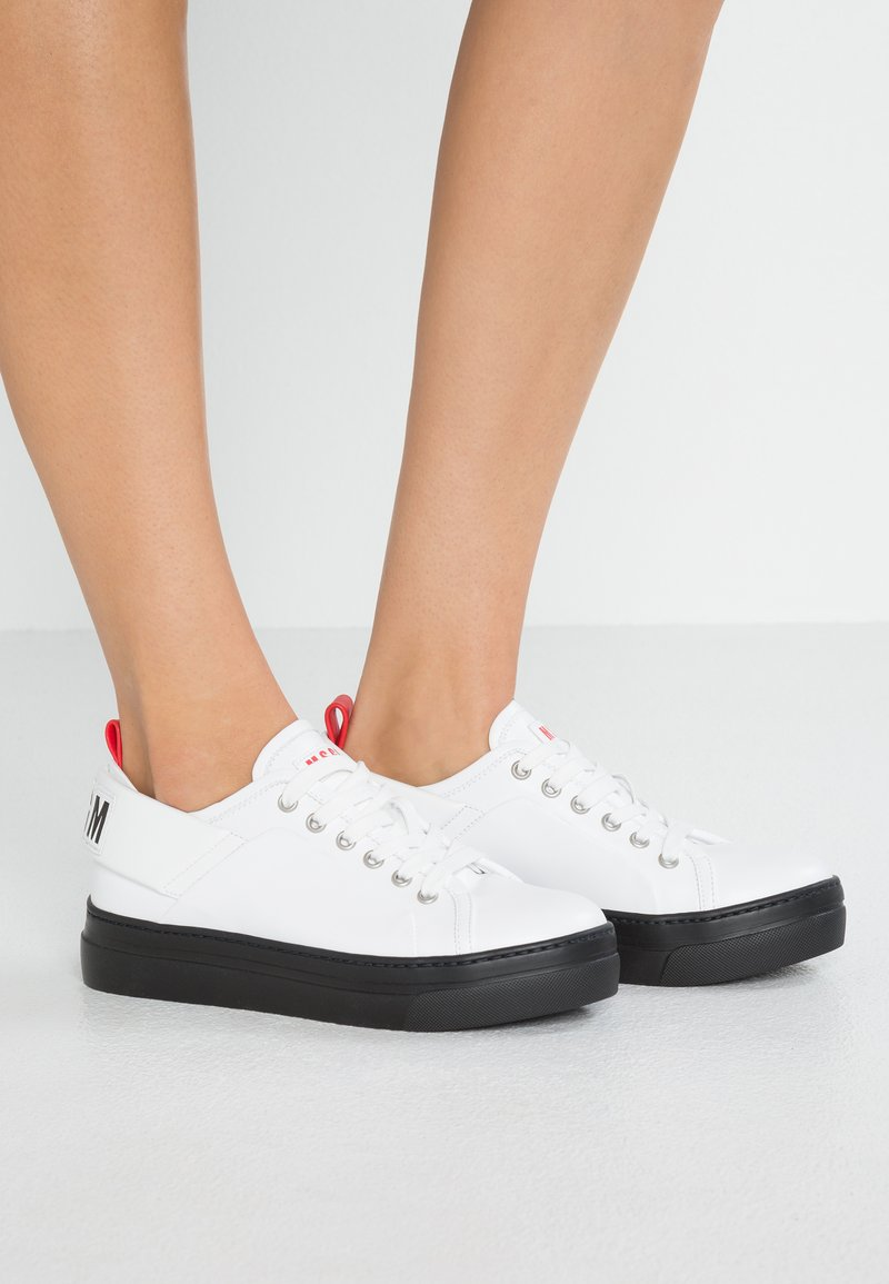 MSGM - LOGO LACE UP CUPSOLE - Sneaker low - white/red