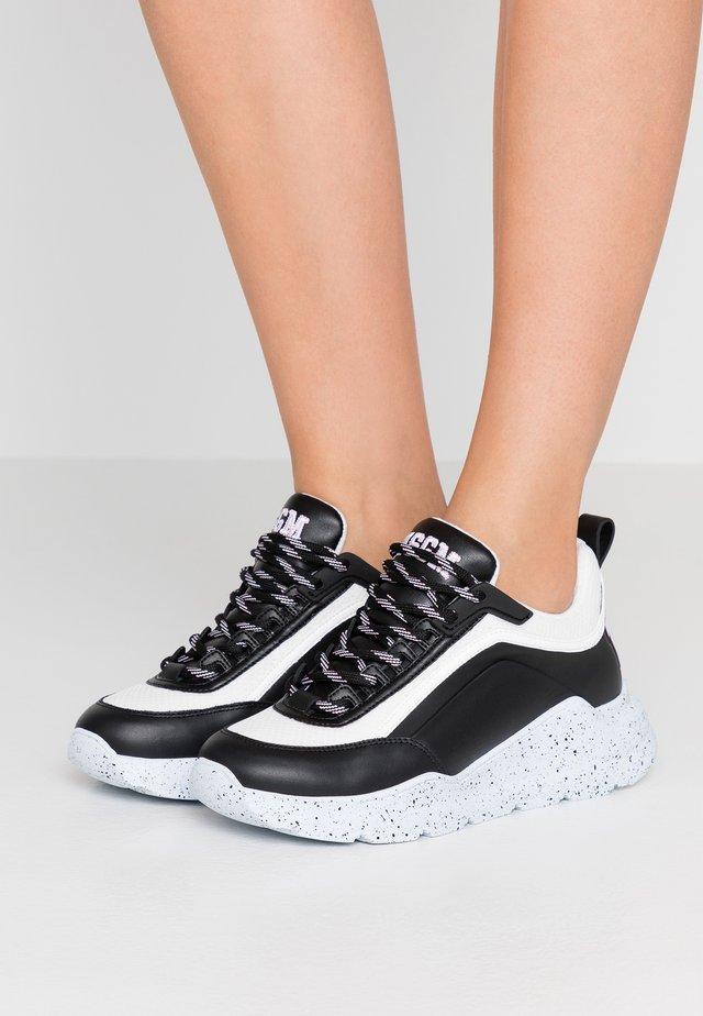 RUNNING - Sneaker low - black