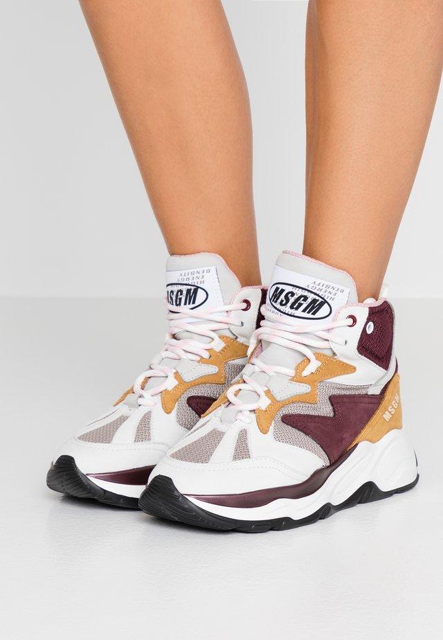 ATTACK HI-TOP - Sneaker high - burgundy