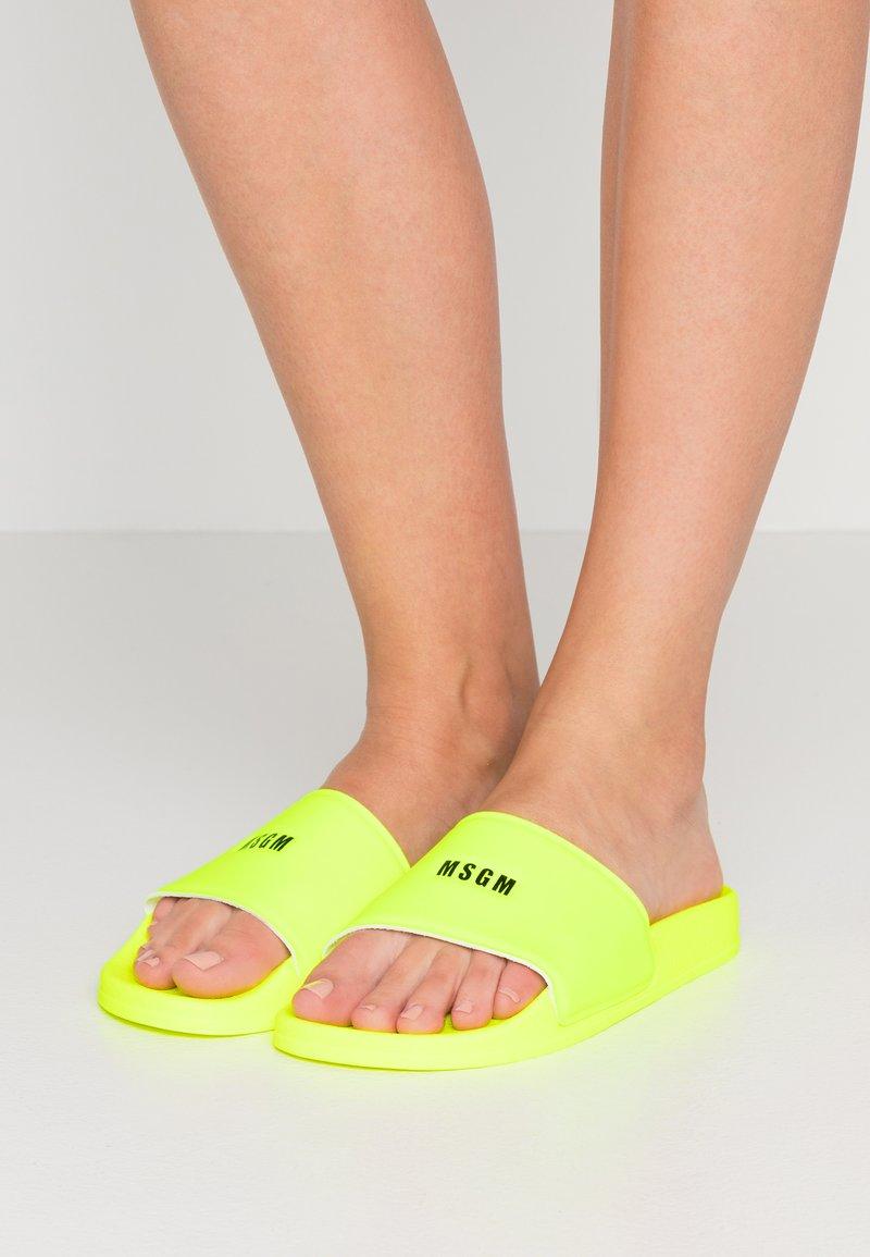 MSGM - C I A B A T T A D O N N A - Mules - neon yellow