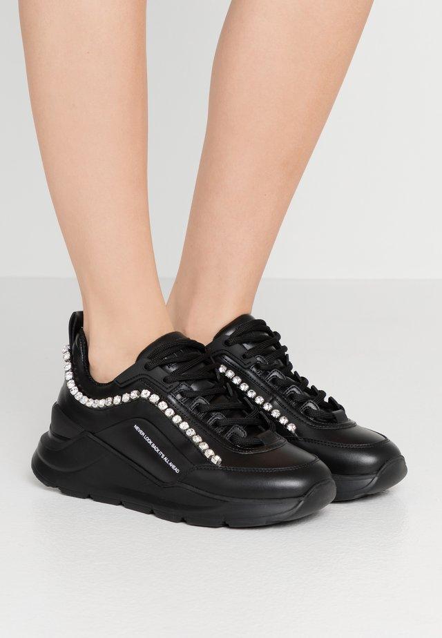 SCARPA DONNA - Trainers - black