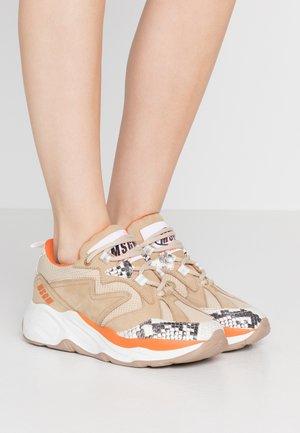 SCARPA DONNA SHOES - Sneakers - beige/orange