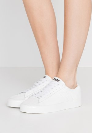 SCARPA DONNA SHOES - Sneakers laag - white