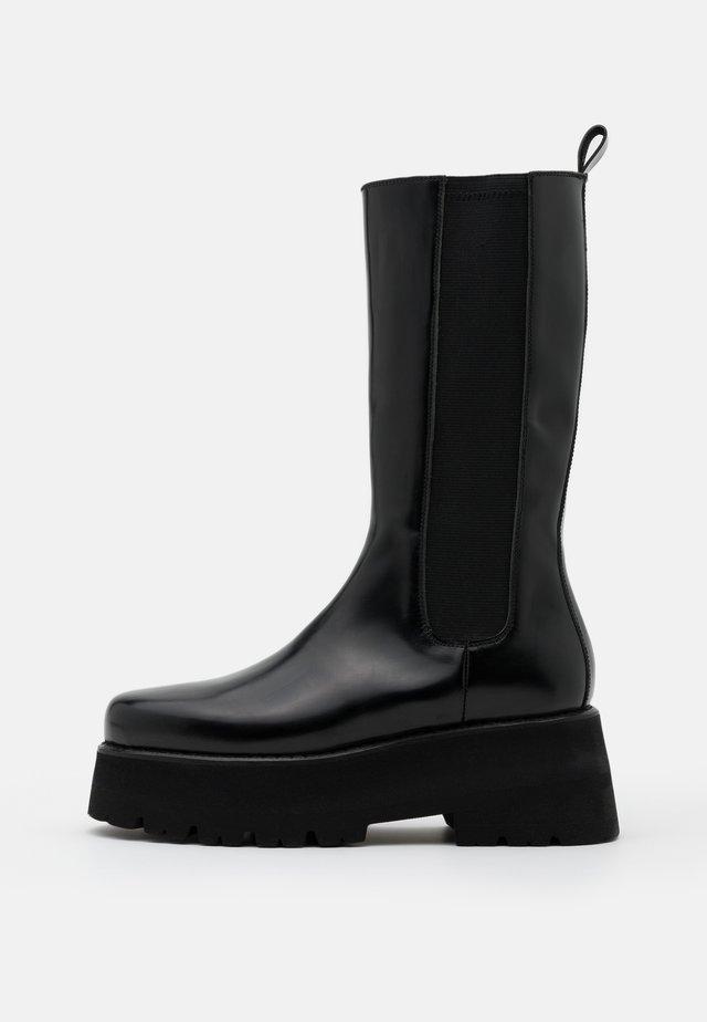 STIVALE DONNA WOMANS BOOT - Bottes à plateau - black