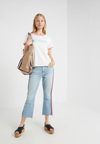 Mother - ITTY BITTY GOODIE TEE - T-shirt imprimé - white - 1