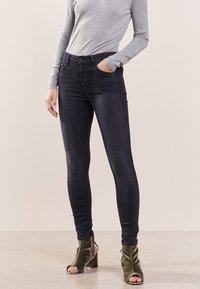 Mother - LOOKER - Jeans Skinny Fit - blackbird - 0