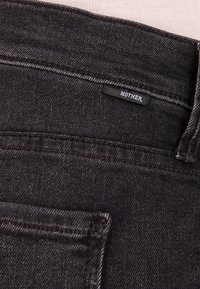 Mother - RASCAL ANKLE SNIPLET - Jean droit - night - 5