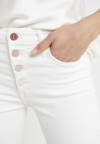 Mother - THE PIXIE ANKLE  - Jeans Skinny Fit - taste the rainbow - 5