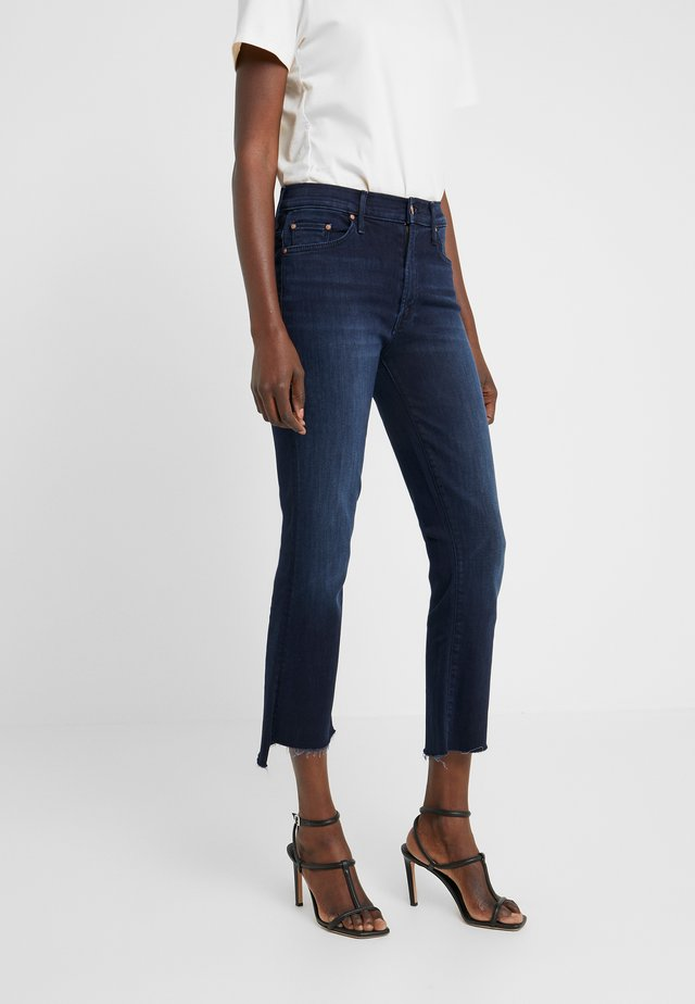 THE INSIDER CROP STEP FRAY - Flared Jeans - blue denim