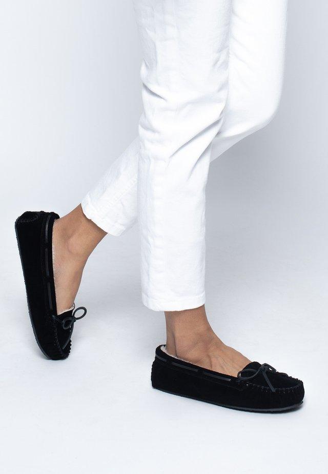 CALLY - Chaussures bateau - metallic black