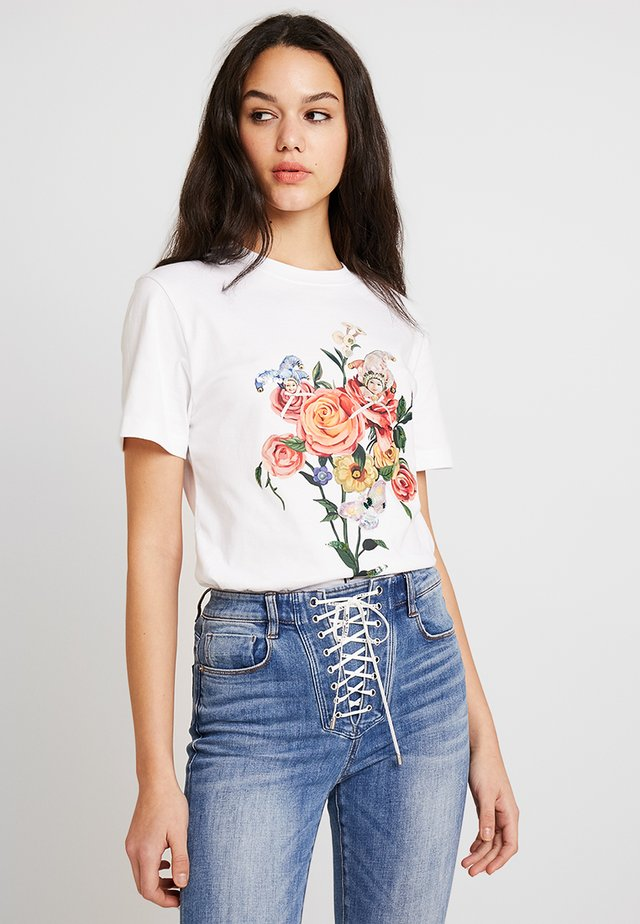 FINLEY - T-shirts med print - bright white
