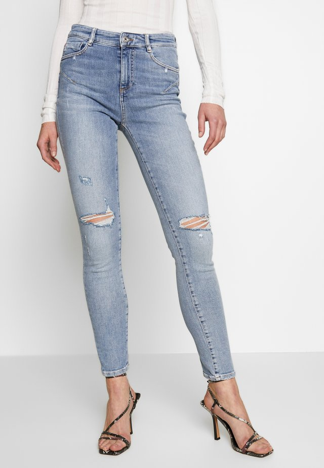 BETTIE - Jeans Skinny Fit - light blue