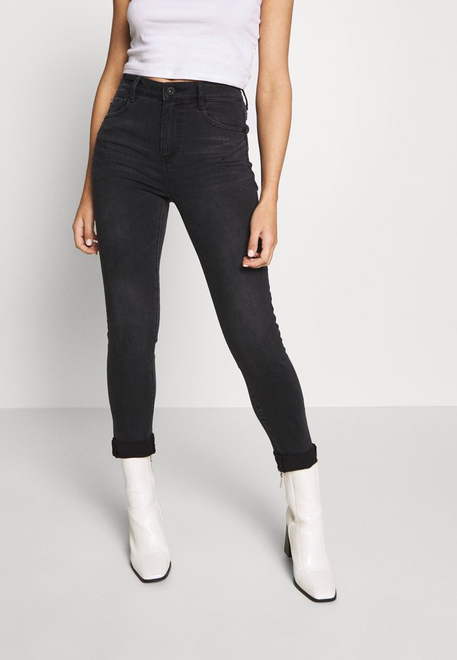 BETTIE CROPPED - Jeans Skinny Fit - black